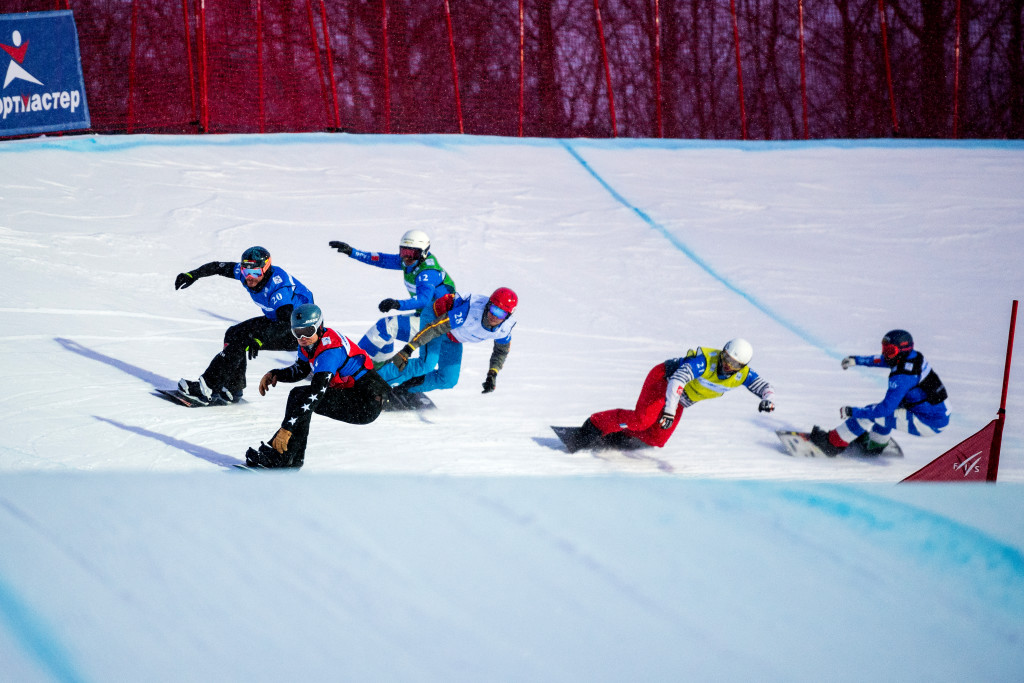 FIS Snowboard World Cup - Moscow RUS - SBX - DEIBOLD Alex USA in Red, BERG Paul GER in Blue, VUAGNOUX Ken FRA in Yellow, HERRERO Laro ESP in White, VISINTIN Omar ITA in Green, PERATHONER Emanuel ITA in Black © Miha Matavz/FIS