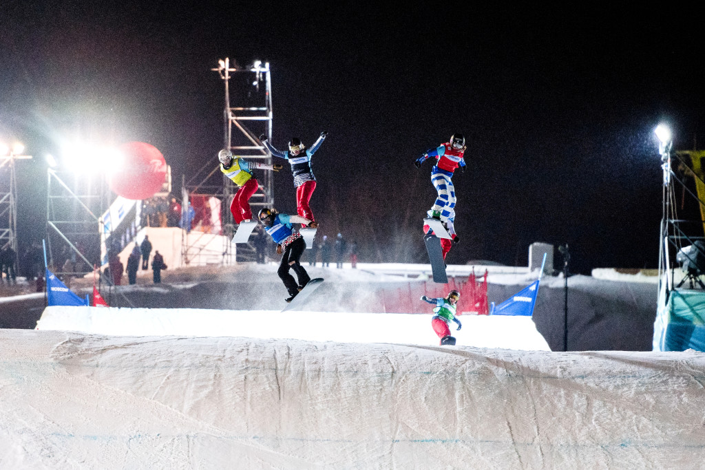 FIS Snowboard World Cup - Moscow RUS - SBX - MOIOLI Michela ITA in Red, SAMKOVA Eva CZE in Blue, MOENNE LOCCOZ Nelly FRA in Yellow, CASANOVA Lara SUI in White, BANKES Charlotte FRA in Green, TRESPEUCH Chloe FRA in Black © Miha Matavz/FIS