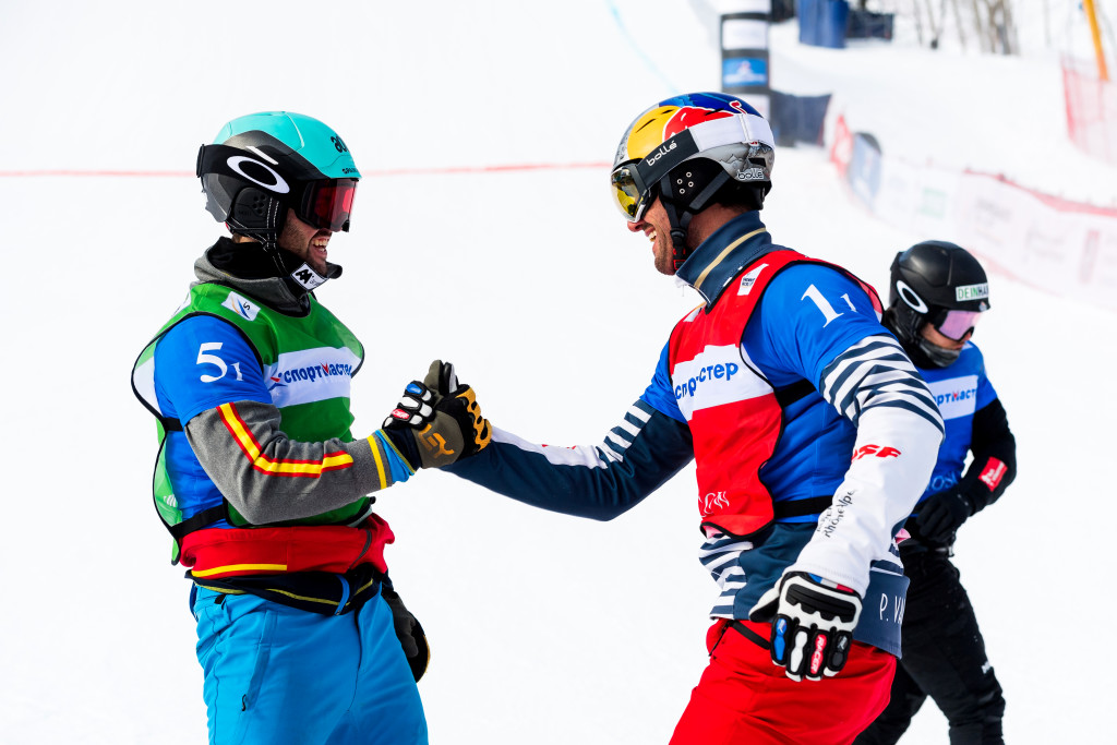 FIS Snowboard World Cup - Moscow RUS - Team SBX - France 1(VAULTIER Pierre and SURGET Merlin) in Red, Spain 1(EGUIBAR Lucas and HERNANDEZ Regino) in Green © Miha Matavz/FIS