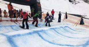 Всероссийские соревнования на Камчатке завершились стартами в сноуборд-кроссе