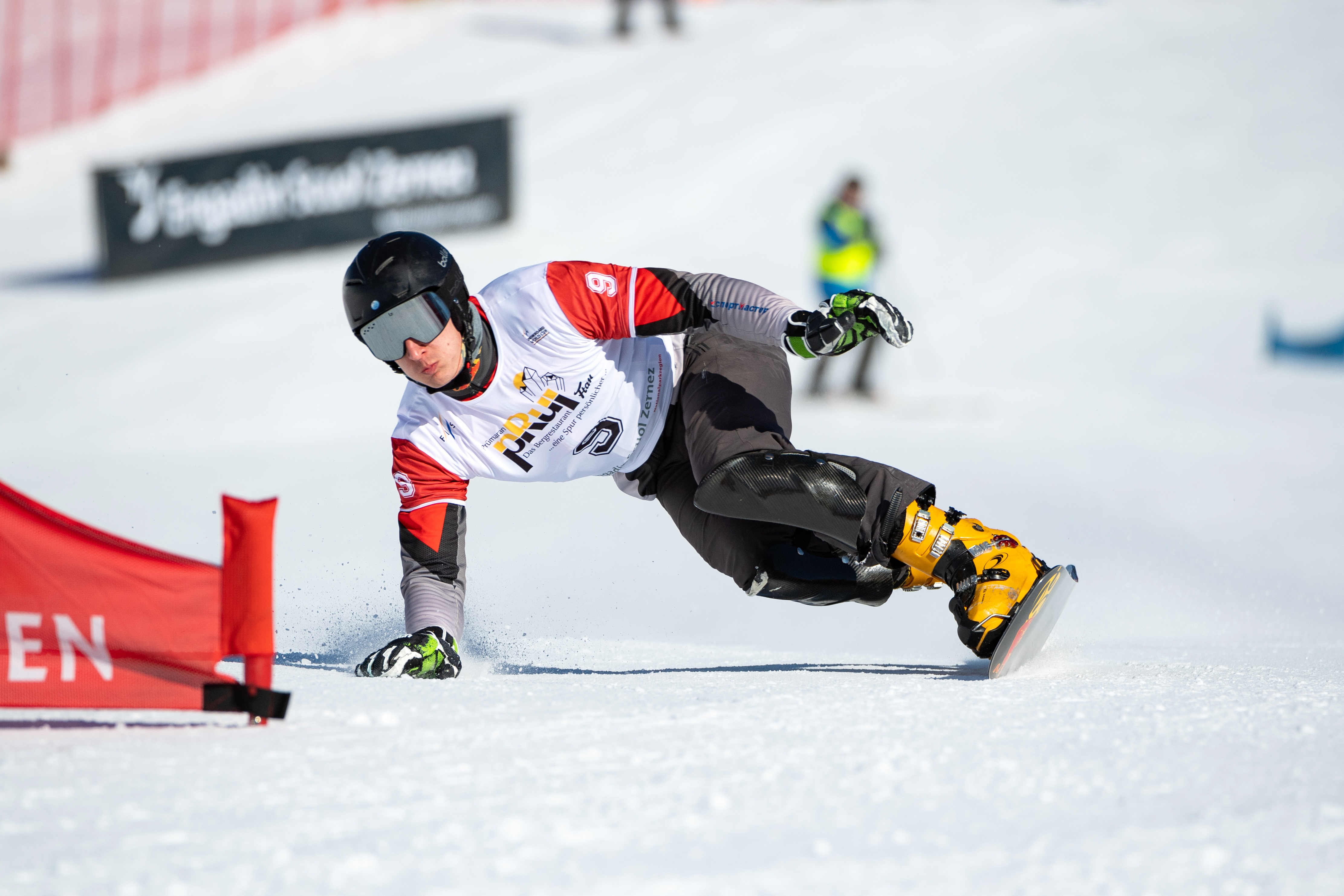 FIS Snowboard World Cup - Scuol SUI - PGS - SOBOLEV Andrey RUS © Miha Matavz/FIS